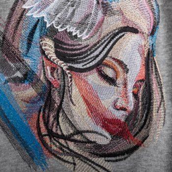 Машинна вишивка на футболка ангел2