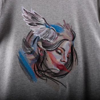 Машинна вишивка на футболка ангел