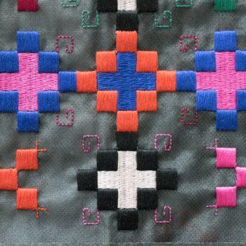 Машинна вишивка пікселі7